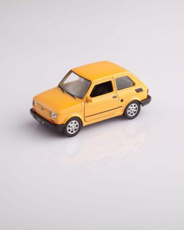 MG 1468 370x462 - Fiat 126 - różne kolory